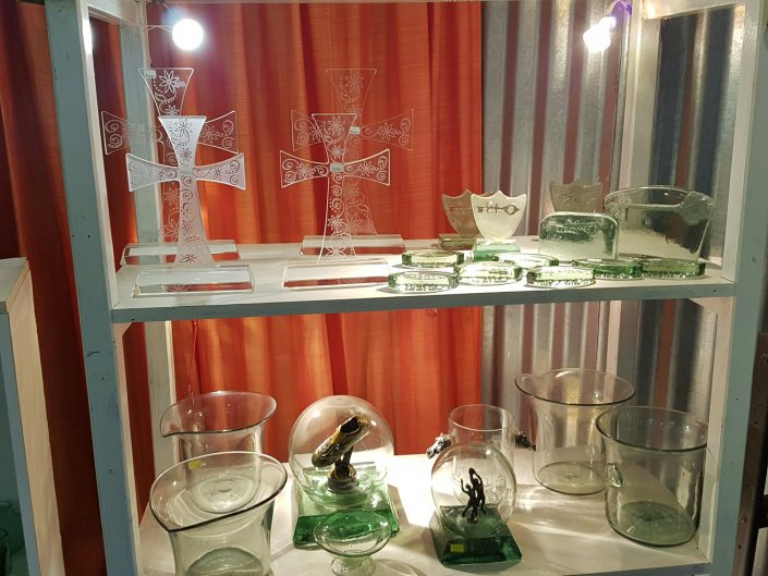 Handcrafted Trophies & Gifts   Glass Showroom